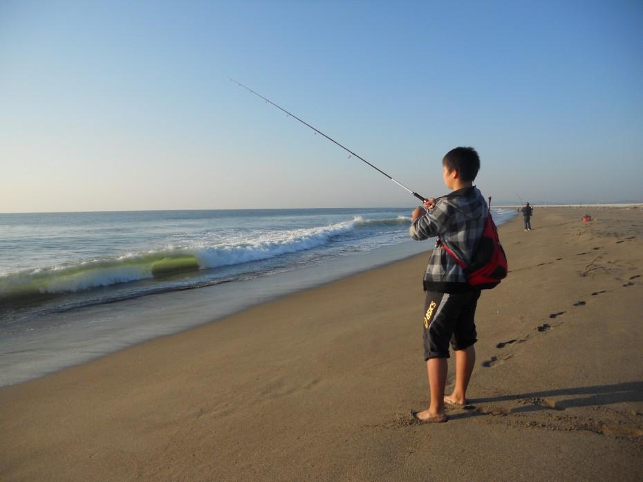 中学生釣り師 ① (2014.10.11 閖上海岸)